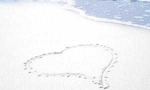 sand-heart-1314533